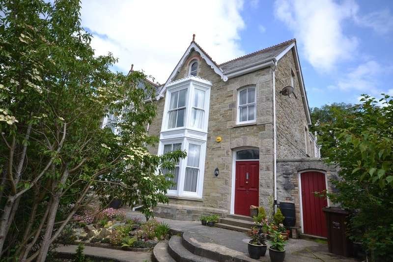 5 Bedrooms Semi Detached House for sale in 42 Tregolls Road