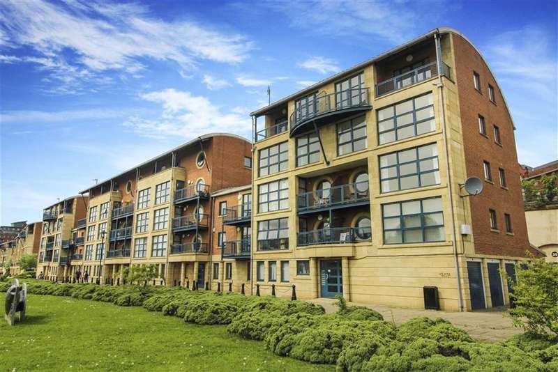 3 Bedrooms Flat for sale in Mariners Wharf, Newcastle Quayside, Newcastle Upon Tyne