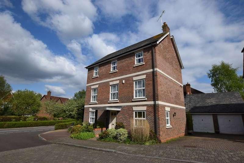 5 Bedrooms Detached House for sale in Upper Mount Street, Fleet, GU51