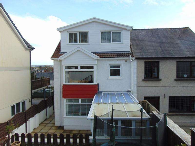 3 Bedrooms Semi Detached House for sale in Stradey Hill, Pwll, Llanelli, Carmarthenshire. SA15 4AB