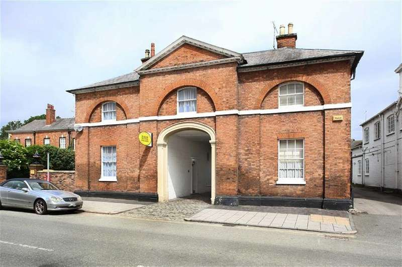 3 Bedrooms Town House for sale in Welsh Row, Nantwich, Cheshire
