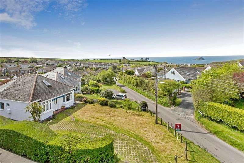 4 Bedrooms Detached House for sale in Church Road, Plymouth, PL9