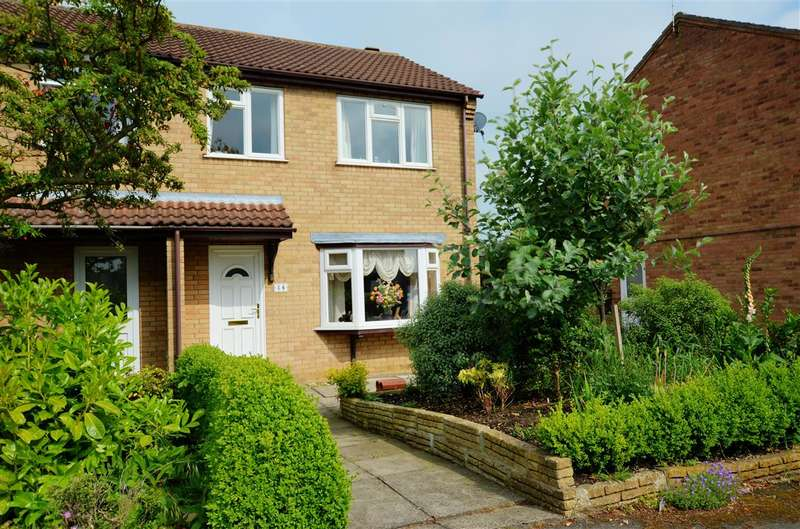 3 Bedrooms Semi Detached House for sale in Roxholm Close, Ruskington