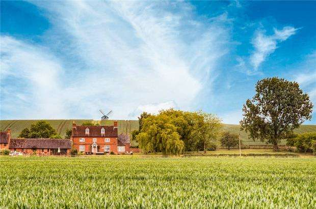 5 Bedrooms Detached House for sale in Windmill Hill Farm, Windmill Hill Lane, Chesterton