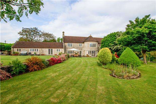 4 Bedrooms Detached House for sale in Burnett, Keynsham, BRISTOL, BS31 2TF