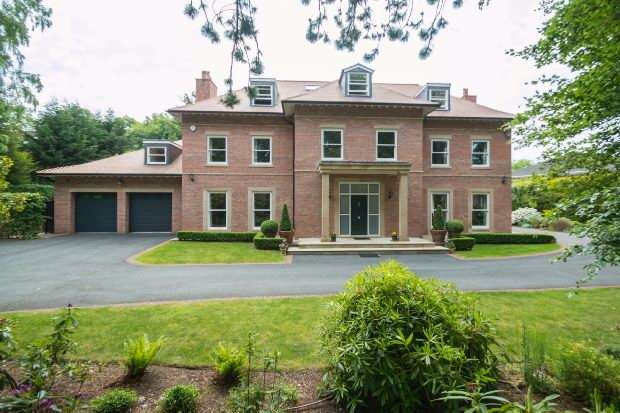 6 Bedrooms Detached House for sale in Bradgate Road, Altrincham