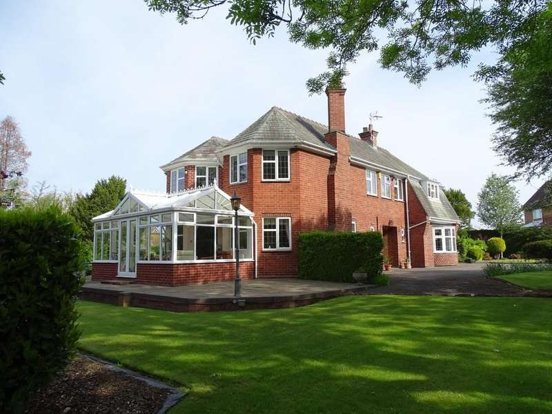 4 Bedrooms Detached House for sale in Wrexham Road, Chester