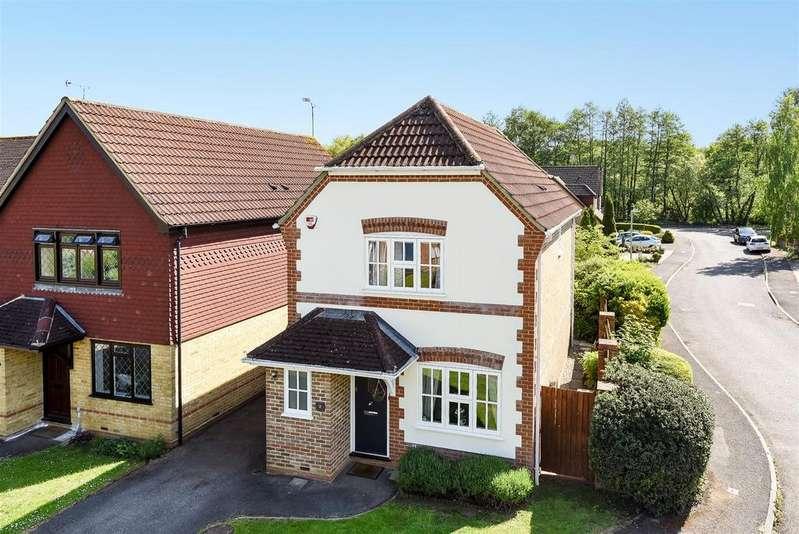 3 Bedrooms Link Detached House for sale in Goldsmith Close, Wokingham, Berkshire RG40 4YP