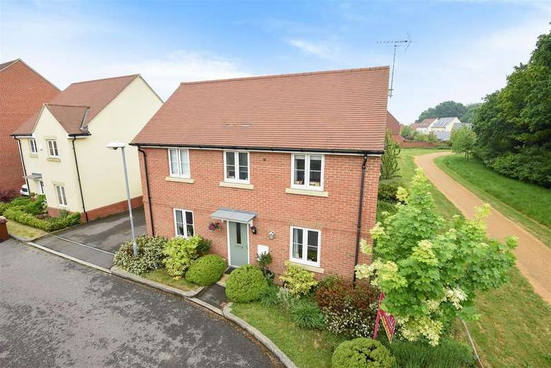 4 Bedrooms Detached House for sale in Blackcap Lane, Bracknell, Berkshire, RG12 8AA