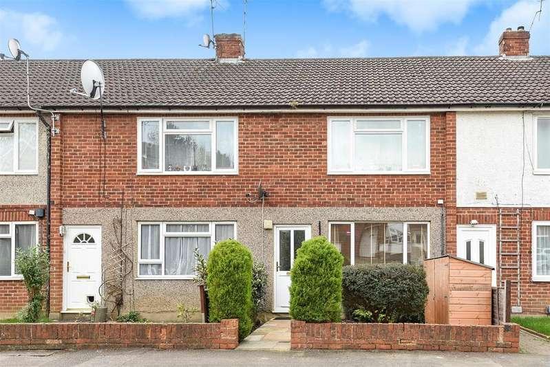 2 Bedrooms Maisonette Flat for sale in Tanhouse Lane, Wokingham, Berkshire RG41 2RL