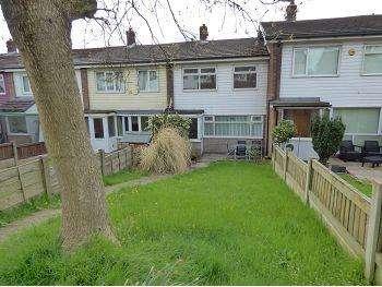 3 Bedrooms Terraced House for sale in The Precinct, Moorfield Terrace, Hollingworth, SK14 8JF