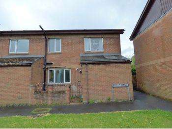 3 Bedrooms Terraced House for sale in 7 Edale Bank, Gamesley, Glossop, SK13 6HA