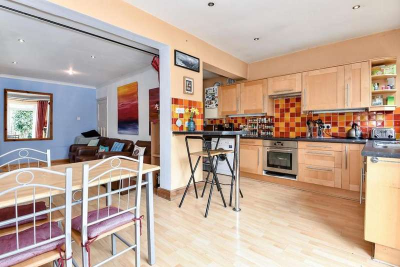 3 Bedrooms Semi Detached House for sale in Grand Drive, Raynes Park