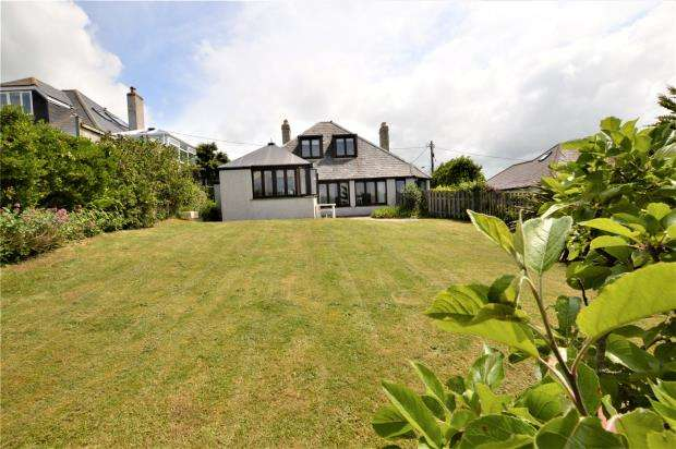 4 Bedrooms Detached House for sale in Holywell Bay, Newquay, Cornwall