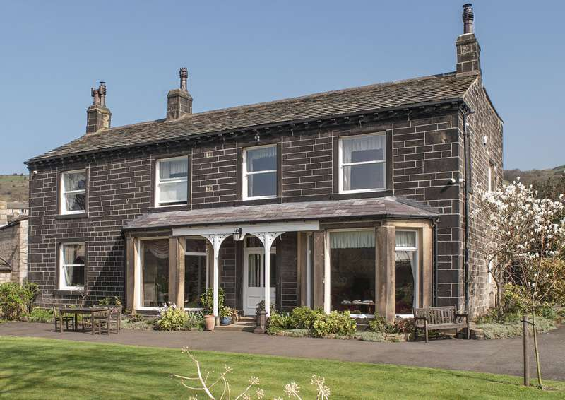 5 Bedrooms Detached House for sale in Lower White Lee House, Mytholmroyd, Hebden Bridge, HX7