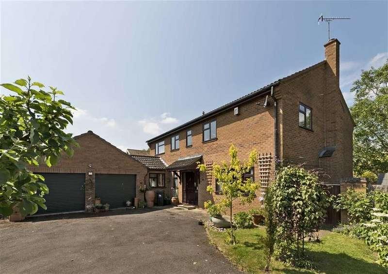 4 Bedrooms Detached House for sale in Hanley Orchard, Hanley Swan