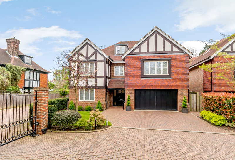 5 Bedrooms Detached House for sale in Watford
