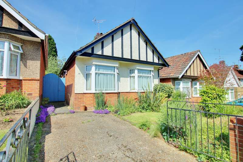 2 Bedrooms Detached Bungalow for sale in TWO DOUBLE BEDROOMS! CONSERVATORY! ENCLOSED GARDEN!
