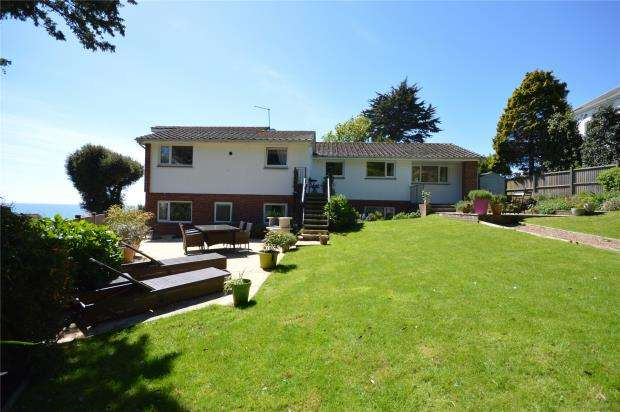 4 Bedrooms Detached House for sale in The Drive, Dawlish, Devon
