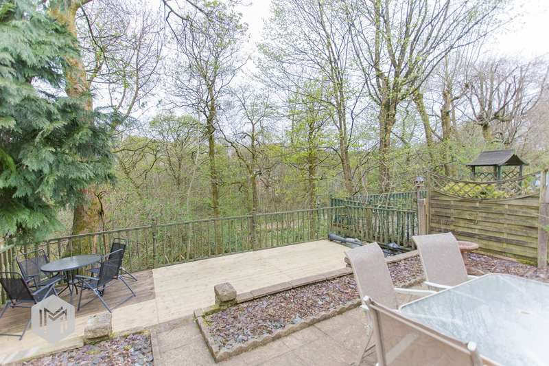 3 Bedrooms Semi Detached House for sale in Pendle Court, Bolton, BL1