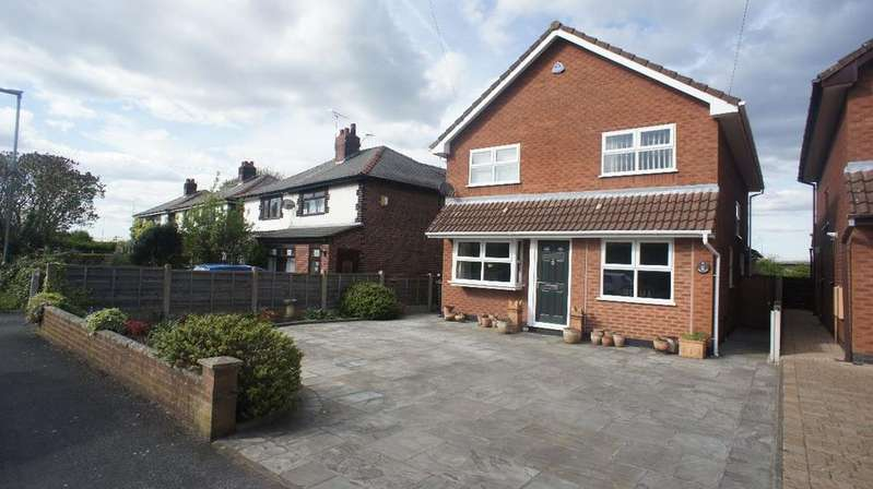 4 Bedrooms Detached House for sale in Mill Lane, Houghton Green, Warrington