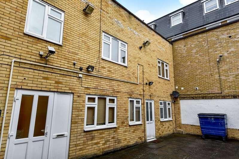 Studio Flat for sale in Blenheim Road London SE20