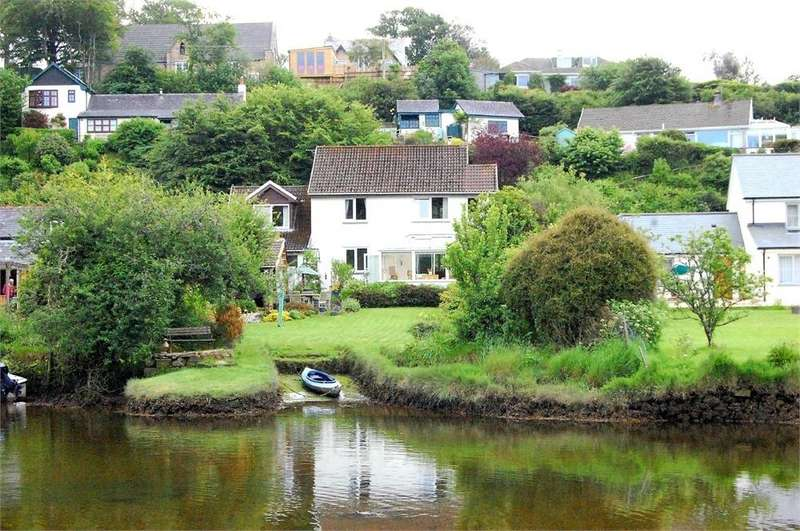 3 Bedrooms Detached House for sale in Trelinhay, Lerryn, Cornwall