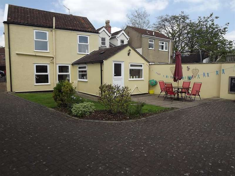 3 Bedrooms Semi Detached House for sale in Cadbury Heath Road, Bristol, BS30 8BX