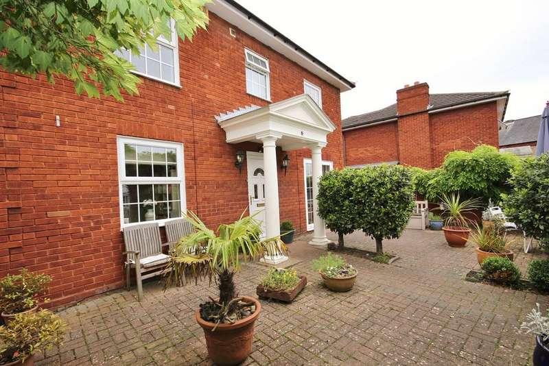 4 Bedrooms Detached House for sale in Oliver Street, Ampthill, Bedford, MK45