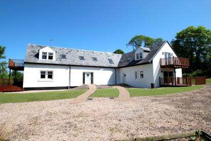 3 Bedrooms Barn Conversion Character Property for sale in East Muirshiel Farm, Dunlop