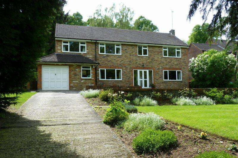 5 Bedrooms Detached House for sale in Claydon End, Chalfont St Peter