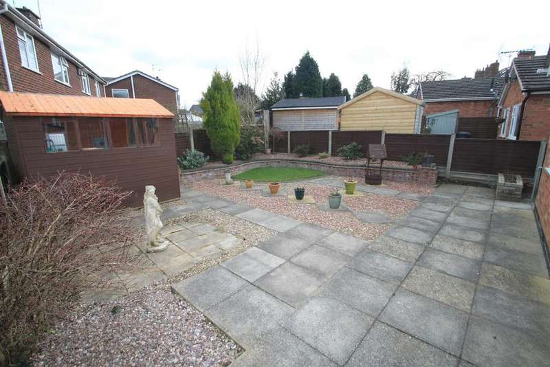 2 Bedrooms Bungalow for sale in Dean Road West, Hinckley