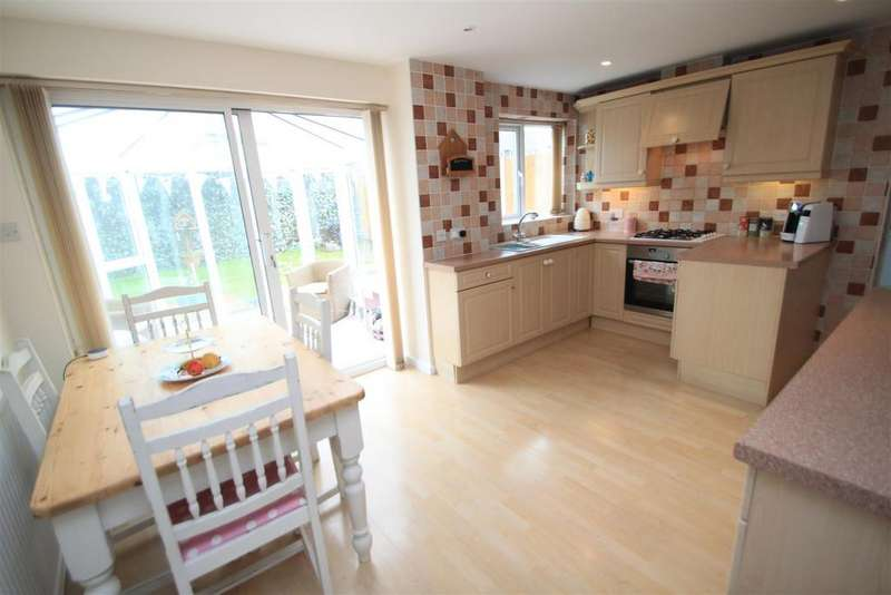 3 Bedrooms Detached House for sale in Darwin Close, Hinckley
