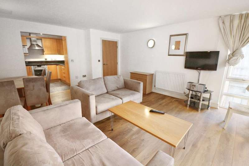 2 Bedrooms Flat for sale in Moore House, Cassilis Road, South Quay, London, E14 9LN
