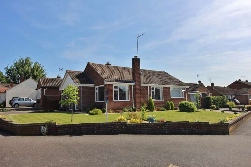 3 Bedrooms Detached Bungalow for sale in Avon Road, Kenilworth, CV8