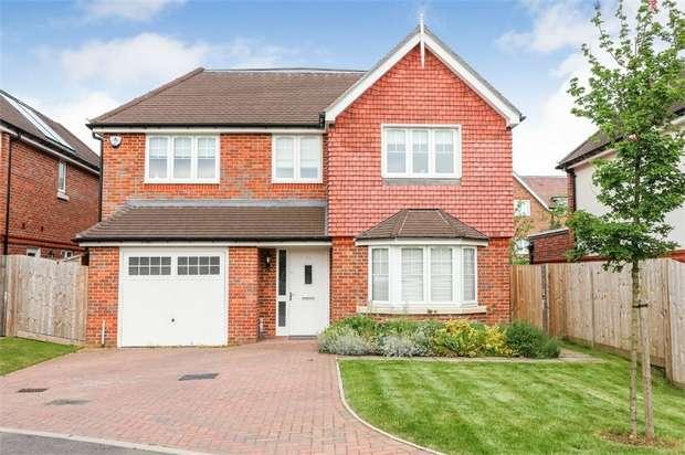4 Bedrooms Detached House for sale in Waller Way, Chesham, Buckinghamshire