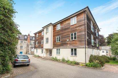1 Bedroom Flat for sale in Tresooth Lane, Penryn, Cornwall