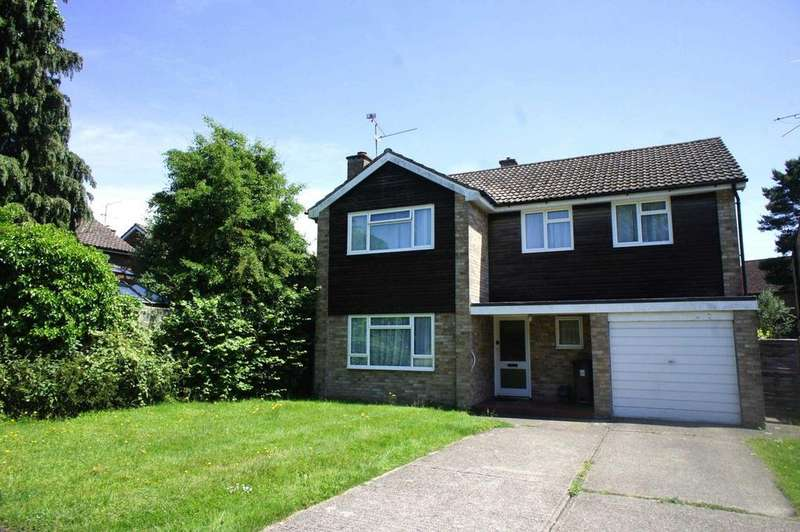 4 Bedrooms Detached House for sale in Churchill Crescent, Sonning Common