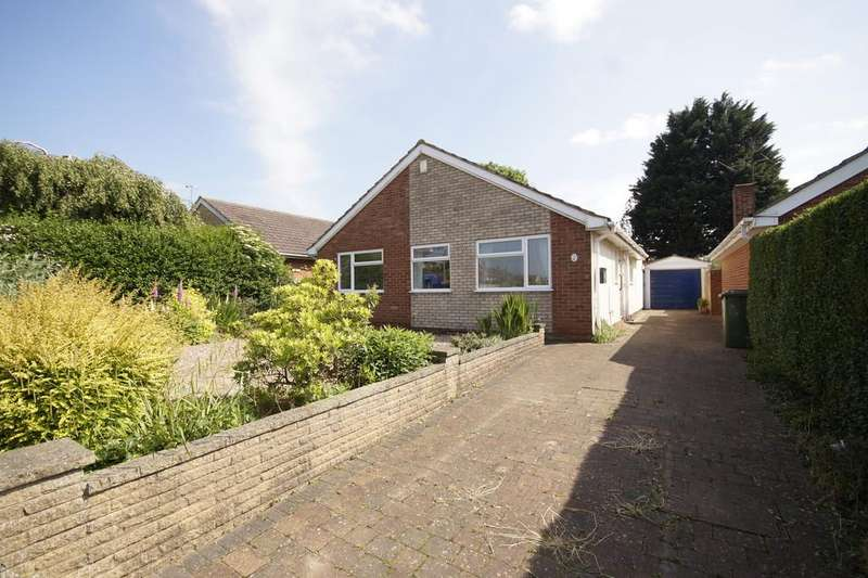 3 Bedrooms Detached Bungalow for sale in Broughton Gardens, Lincoln