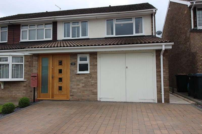 3 Bedrooms Semi Detached House for sale in Alpine Rise, Styvechale Grange, Coventry, West Midlands. CV3 6NR