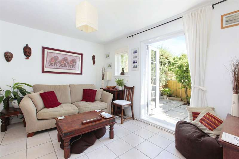 1 Bedroom End Of Terrace House for sale in College Gardens, Wandsworth Common, London, SW17