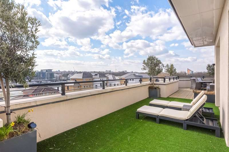 3 Bedrooms Flat for sale in Higham House West, 102 Carnwath Road, London, SW6