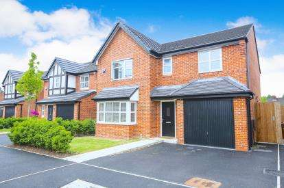 4 Bedrooms Detached House for sale in Raisbeck Road, Offerton, Stockport, Cheshire