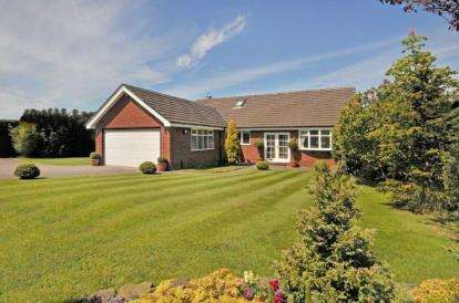 4 Bedrooms Bungalow for sale in Wood Lane South, Adlington, Macclesfield, Cheshire