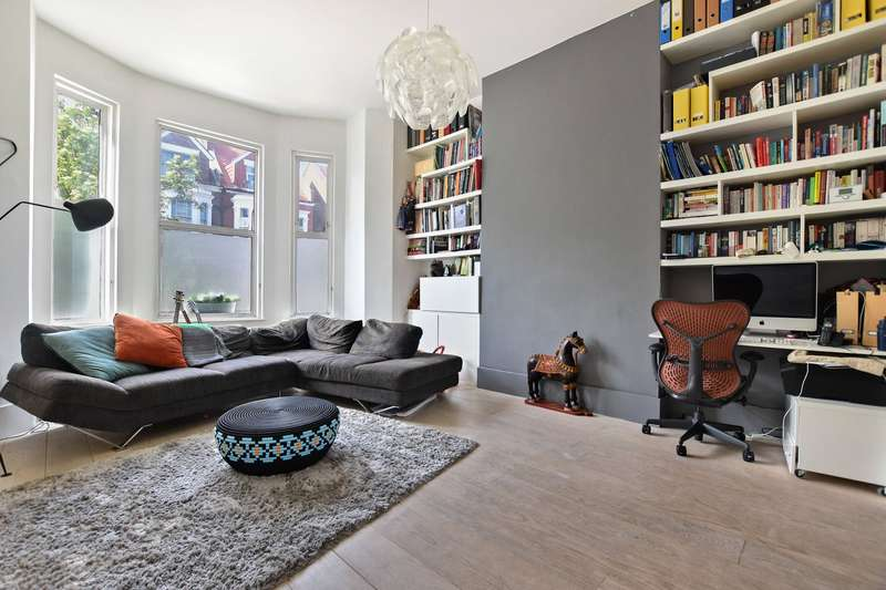 3 Bedrooms Flat for sale in Buckley Road, London, NW6