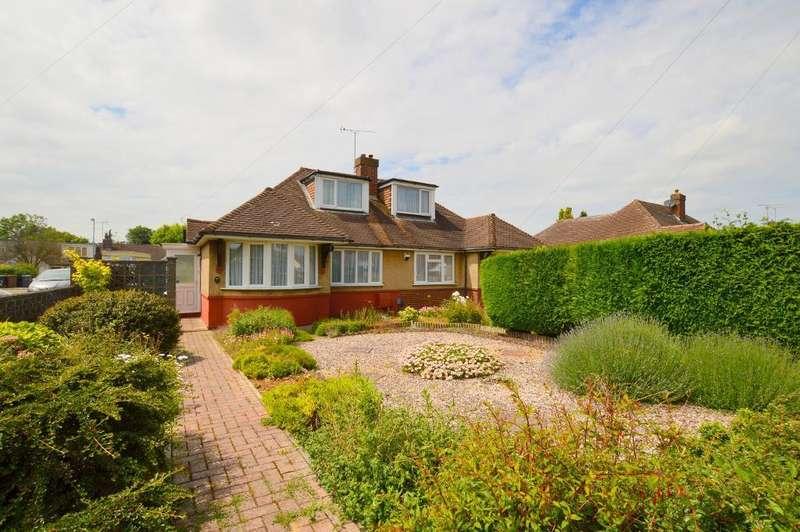 2 Bedrooms Bungalow for sale in Poplar Avenue, Warden Hills, Luton, LU3 2BP