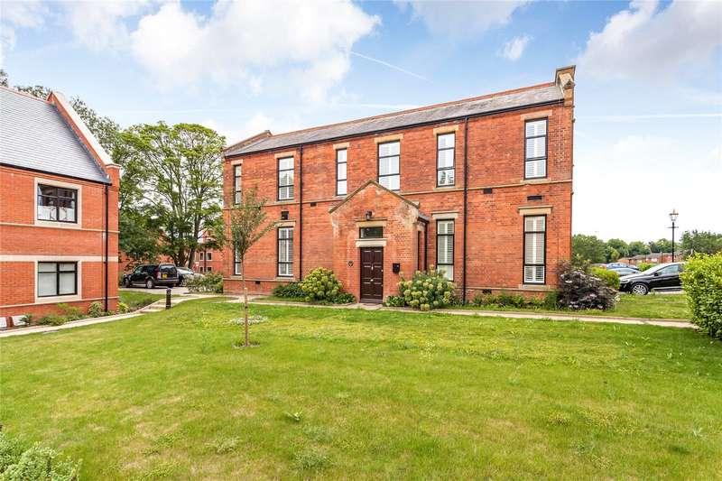 3 Bedrooms House for sale in Marlborough House, Marlborough Drive, Bushey, Hertfordshire, WD23