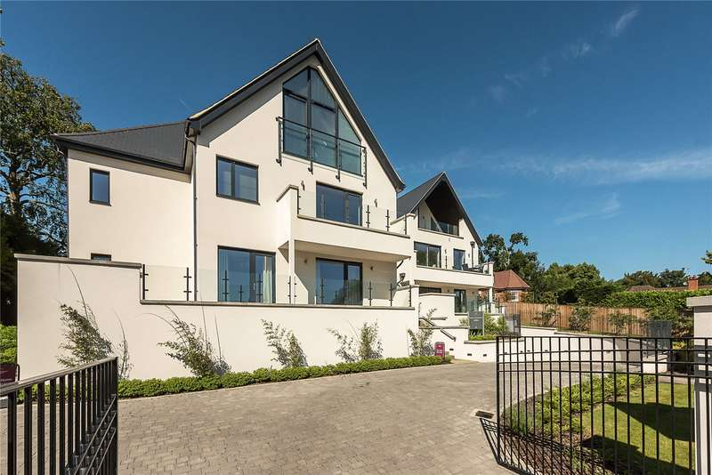 3 Bedrooms Flat for sale in Lynbury Crescent GX, Lynbury Place, 14 South Park Crescent, Gerrards Cross, SL9