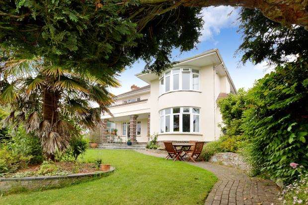 4 Bedrooms Detached House for sale in Knowles Hill Road, Newton Abbot, Devon