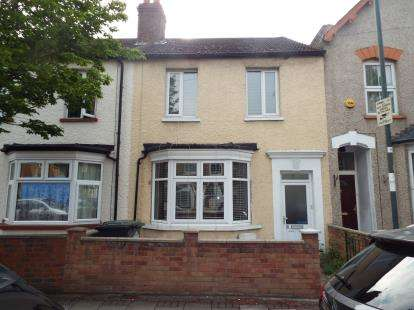 Terraced House for sale in York Road, Waltham Cross, Hertfordshire